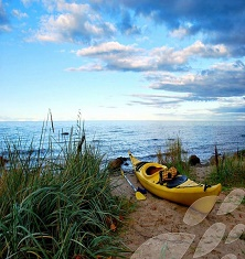 canoe-beach-latvia-travel
